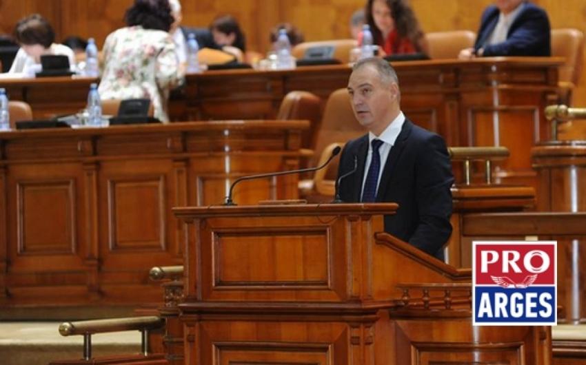 Mircea Drăghici: Moțiunea de cenzură, o piesă de teatru ieftină a opoziției pentru a-și păcăli electoratul