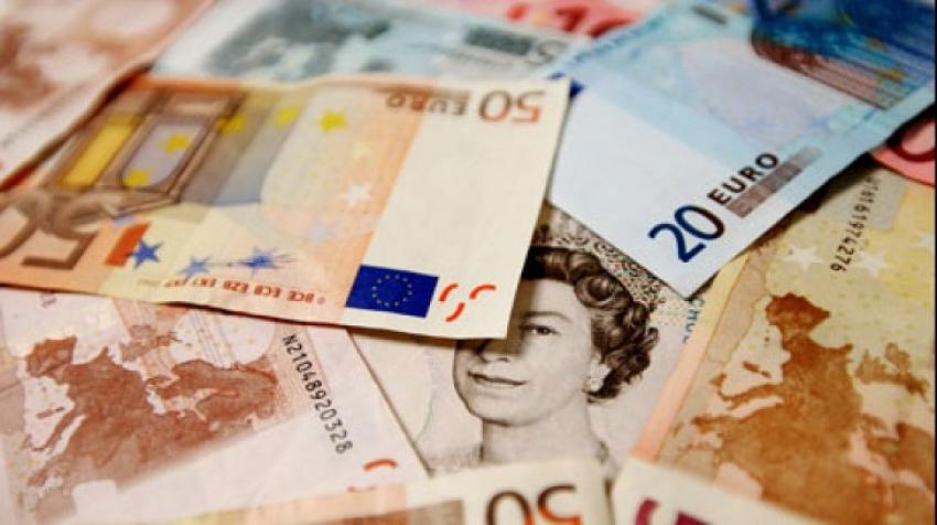 Marea Britanie ar putea acorda un venit garantat de 10.000 lire sterline fiecărui cetățean