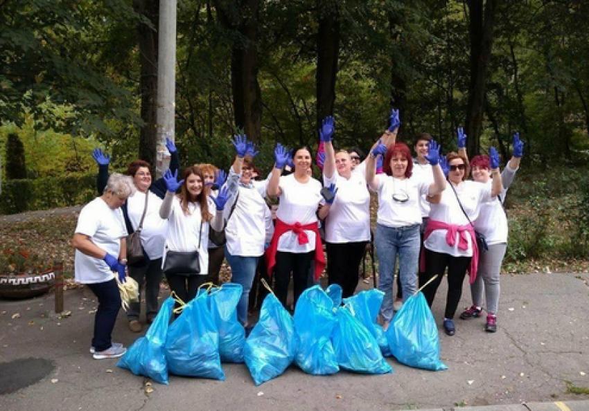 """Doamnele din OFLDE Argeș au sărbătorit prin muncă ,,Ziua Mondială a Curățeniei"""""""