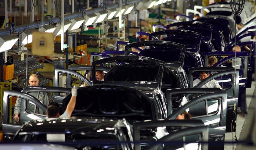 Dacia angajează! Vezi posturile disponibile și unde poți aplica pentru ele