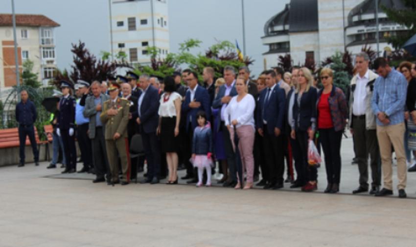 Video! Ziua Eroilor, celebrată la Mioveni