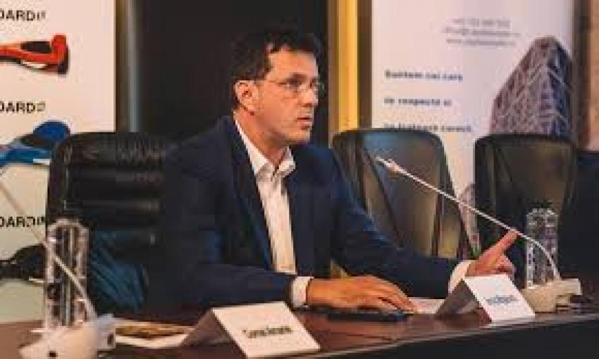 Se reia numărătoarea la alegerile USR. Ionuț Moșteanu auză eroarea softului