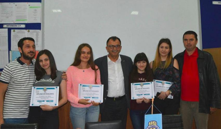 Elevii cu medii mari din Mioveni, premiați!