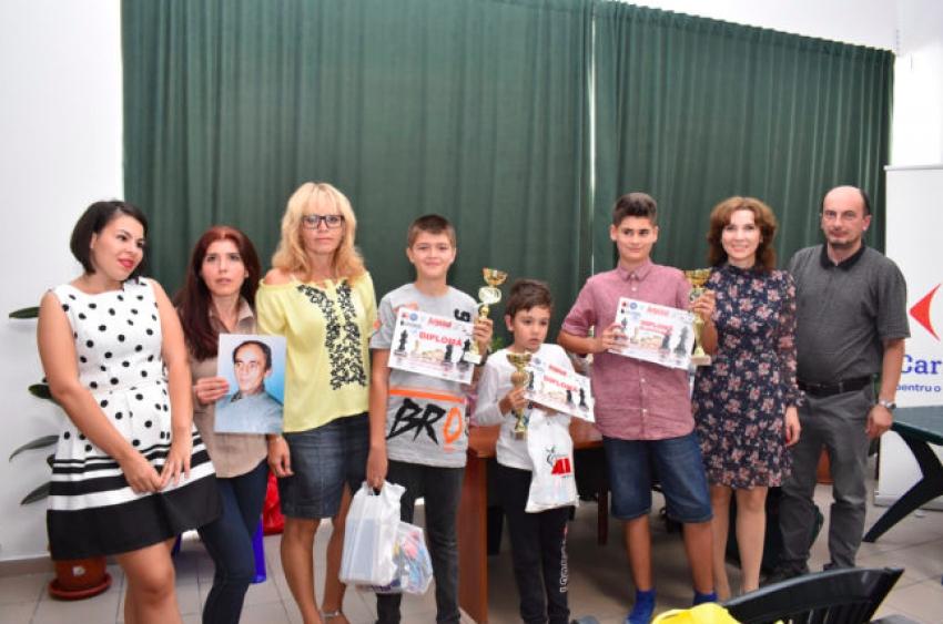 45 de micuți au jucat șah la Memorialul Dorel Ștefănescu