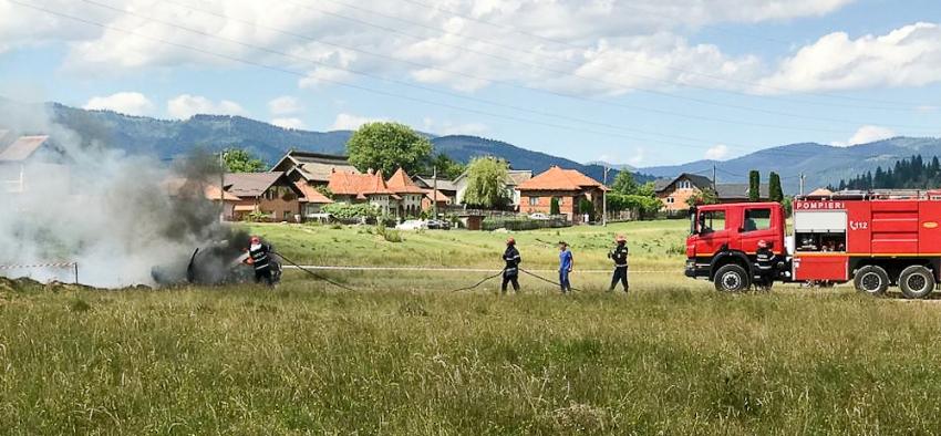 Foto și video! Un bolid a luat foc la RallyCross Câmpulung!