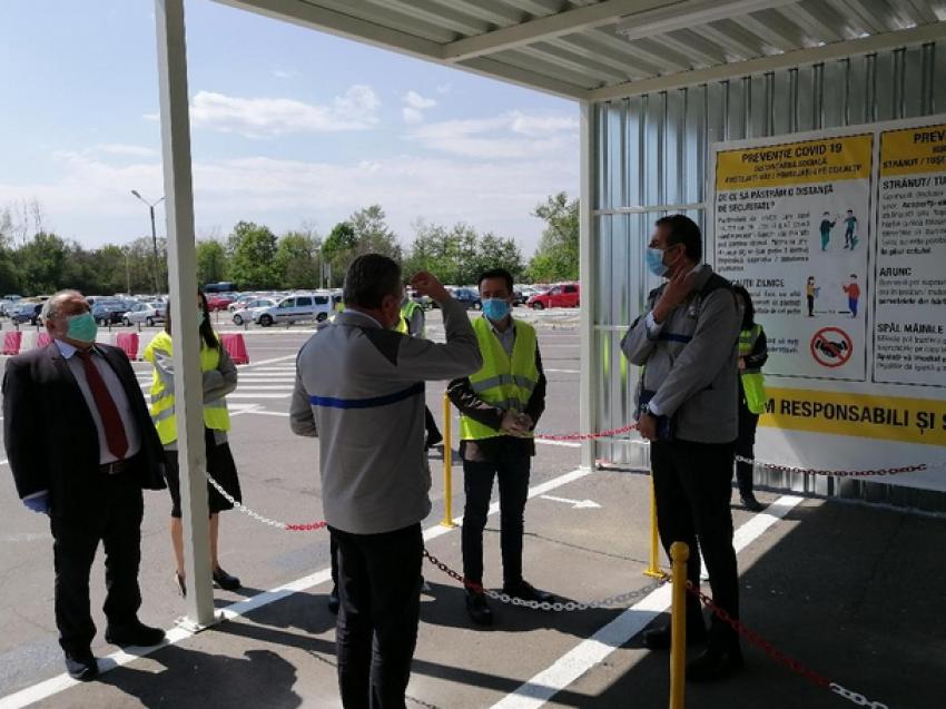 Prefectul de Argeș la Dacia, la reluarea activității: Măsurile de siguranță împotriva COVID-19, exemplare