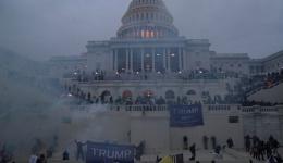 Video! Anarhie în SUA! Susținătorii lui Trump au produs haos și au ocupat clădirea Congresului. Bombe artizanale găsite în Capitol