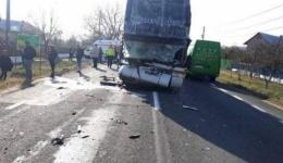 Accident mortal la Lunca Corbului. Un autocar, două autocamioane și un autoturism implicate