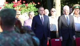 Video! Ministrul Apărării, Mihai Fifor şi ambasadorul SUA, Hans Klemm la ceremonia de repatriere a vânătorilor de munte din Câmpulung