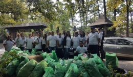 Tinerii din ALDE, acțiune de ecologizare în Trivale: Să ne bucurăm frumos de natură și să păstrăm curățenia!