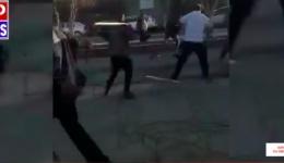 Video! Imagini uluitoare la o bătaie de stradă în Calafat între clanurile de romi. Polițist rănit