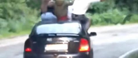 Video! Tineri teribiliști s-au dat în stambă pe Transfăgărășan
