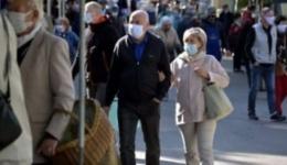De astăzi, masca obligatorie în toate spațiile publice din Argeș