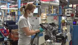 Industria auto din România continuă să se miște greu: producție cu 10% mai mică decât în ianuarie 2020