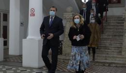 Video! Ministrul Dezvoltării, plimbat de Elena Lasconi prin centrul Câmpulungului. Pentru ce dă bani